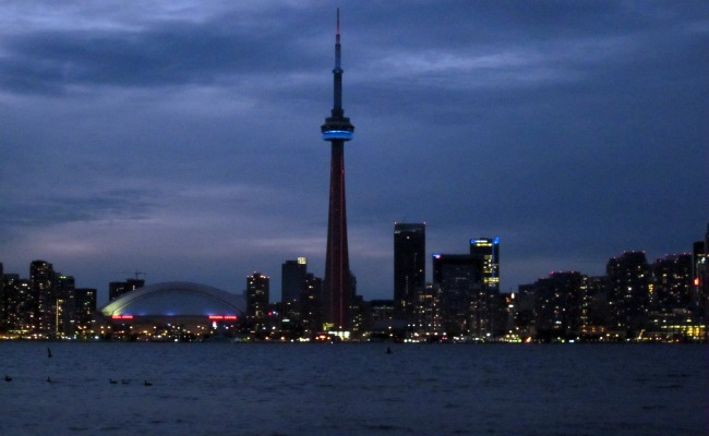 CN Tower - Lighting at Night