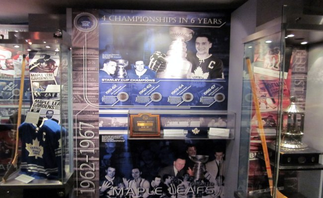 Toronto Hockey Hall Of Fame - Toronto Maple Leafs of the 1960's