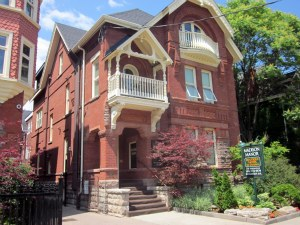 Yorkville Toronto Hotels - Madison Manor Boutique Hotel
