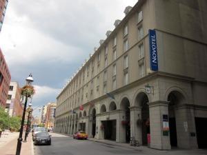 Mid-range Hotels In Toronto - Novotel Toronto Centre