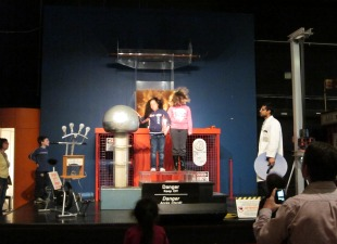 Ontario Science Centre - Van de Graaff Generator Demo