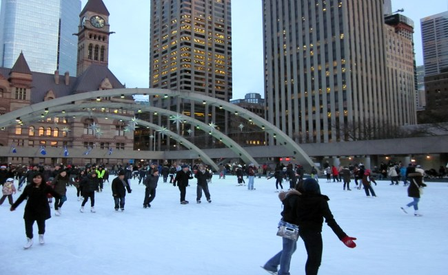 Toronto Weather in December - Ice Skating at Nathan Phillip Square