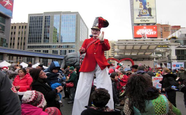 Toronto Santa Claus Parade - Juggler