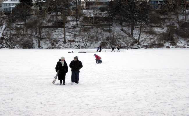 Toronto Weather - Frozen Grenadier Pond, Toronto