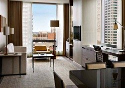 Yorkville Toronto Hotels - Four Seasons Toronto